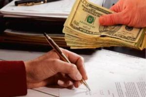 Возврат денег за товар на карту: особенности оформления, сроки и необходимые документы