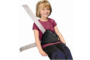 gear-for-cars-comfort-safety-brica-udergivayushhee-ustroistvo-seat-belt-adjuster_2-1500x1500