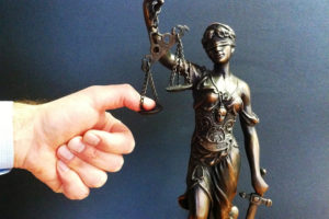 Получить водительские права досрочно в суде