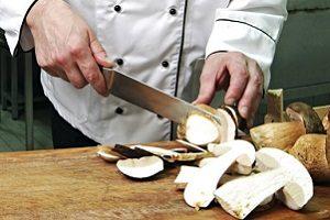Как правильно хранить грибы: свежезамороженные и после термообработки