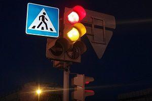 Штрафы для автомобилистов в 2018 году: проезд на красный свет, пересечение железнодорожных путей и другие нарушения