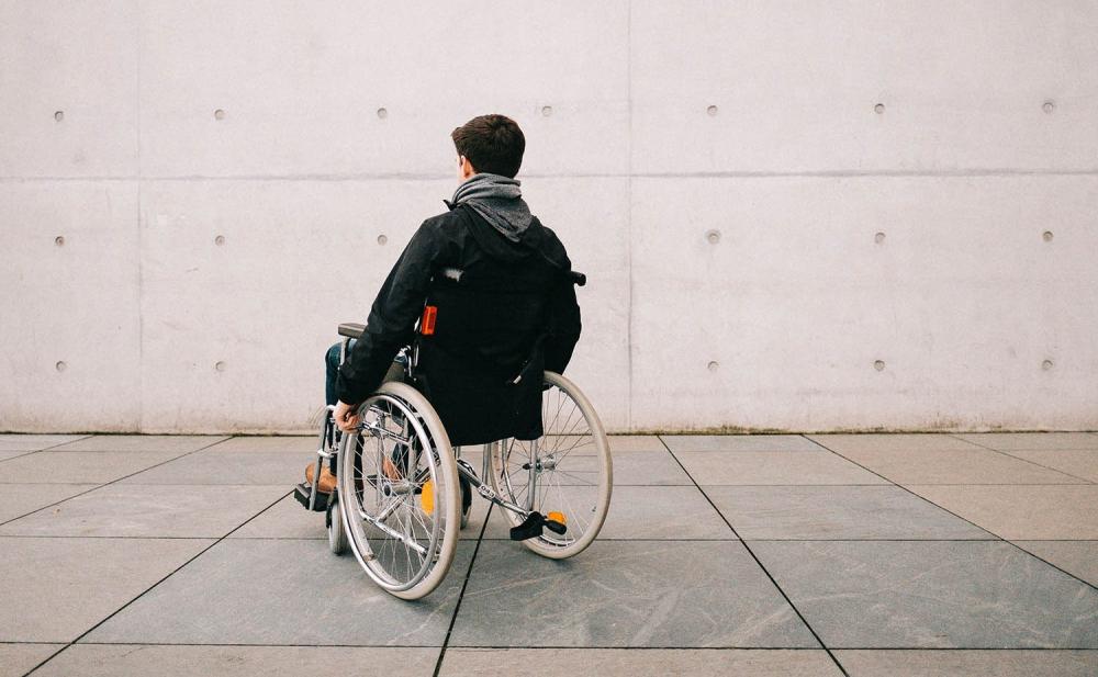 Доказать инвалидность: месяц в больнице или справка за 800 долларов