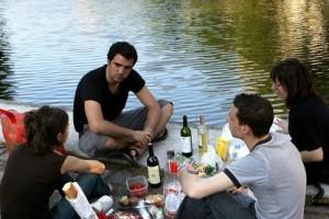 Употребление алкоголя в общественных местах - серьёзное правонарушение