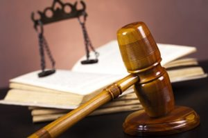 Отказ от иска в суде