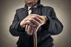 Сокращение пенсионера: как происходит процесс, какие выплаты положены, сроки, льготные категории и их гарантии